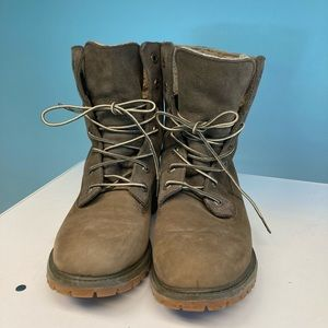 TIMBERLAND Sherpa Lined Suede Lace Up Boots Sz 9